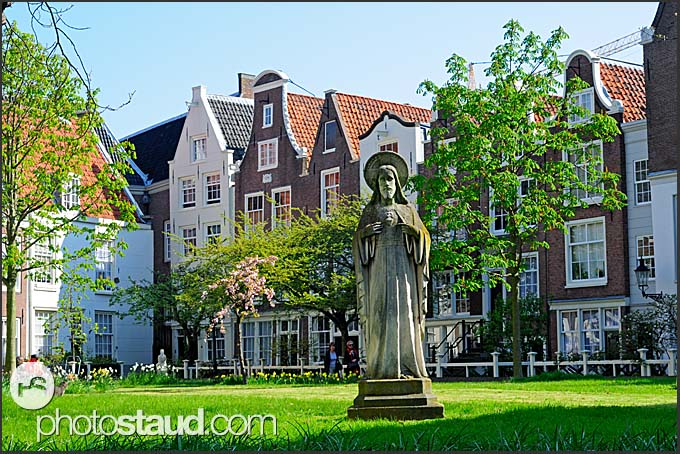 Quiet residential district, Amsterdam, Holland, The Netherlands, Europe