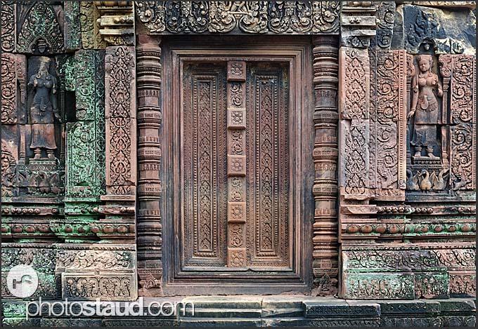 Blind stone door in banteay srei temple angkor cambodia for Door of stone