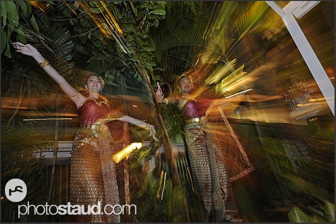 Thai lakhon dancers in traditional costumes, Bangkok, Thailand