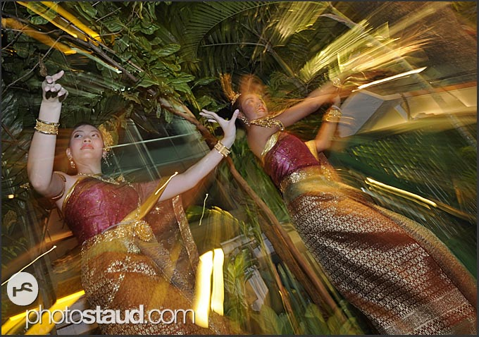 Thai lakhon dancers in traditional costumes, Bangkok, Thailand