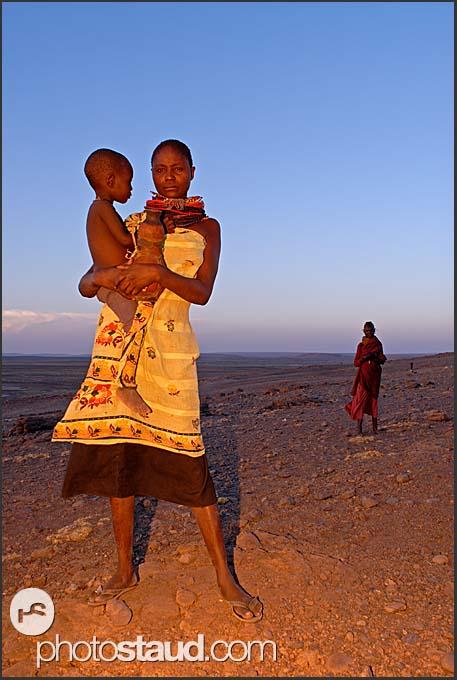 Samburu mother with little child in her arms, Lake Turkana, Kenya