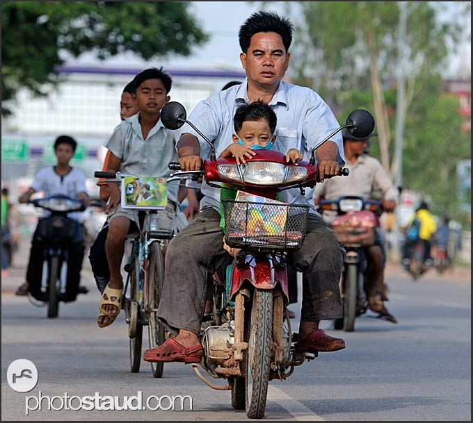 Traffic in the streets of Siem Reap, Cambodia