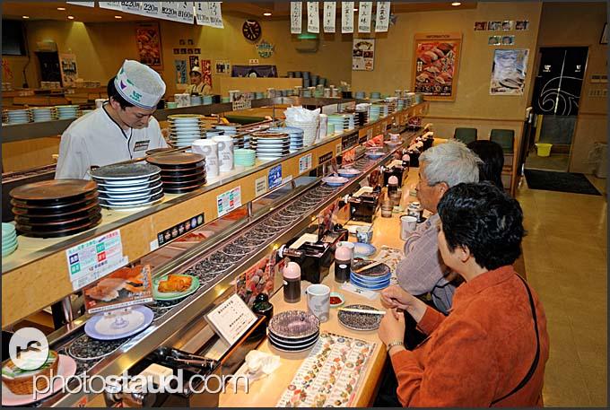 [Изображение: japan-sendai-sushi-bar-005.3.jpg]