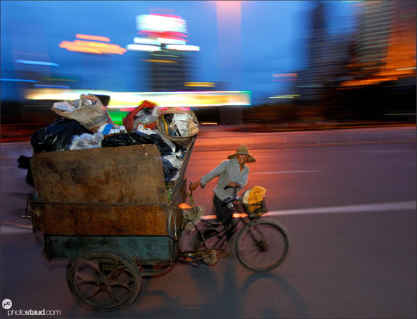 Kunming in motion – transporting garbage, Yunnan, China