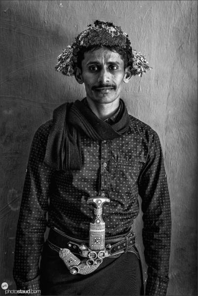 Flower people of Saudi Arabia Qahtani men living in the Asir region of Saudi Arabia are nicknamed Flower Men for crowning their heads with elaborate arrangements of herbs, flowers, and grasses.
